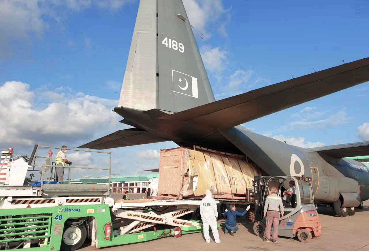 پاکستان کا افغانستان کے عوام کے لئے امداد کی فراہمی شروع